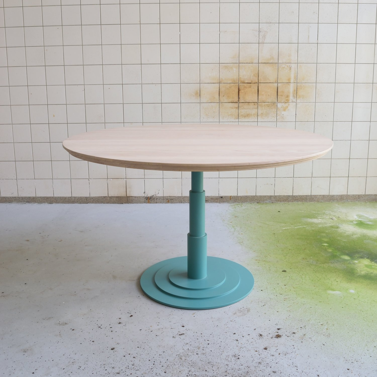 Rotterdamse School table round by MCDW