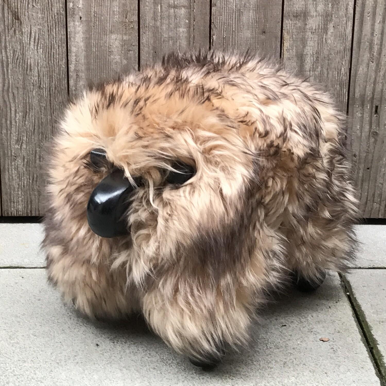 classic sheepPAL - tan/brown with black wood