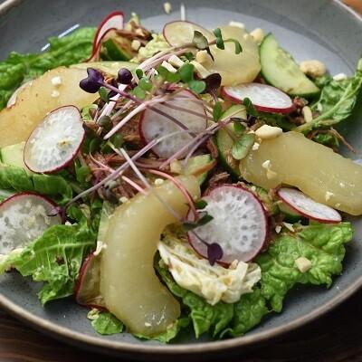 Салат с томленой уткой
