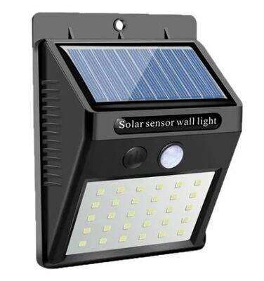 Reflector Solar Impermeable con Sensor Automatico
