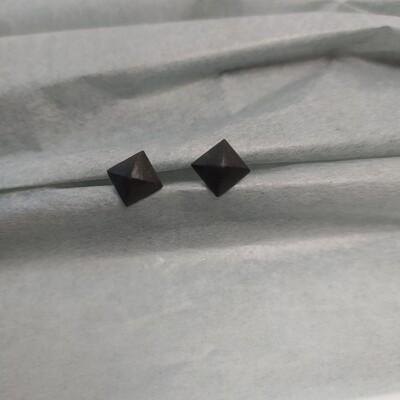 Kolczyki, kwadraty, czarne mat