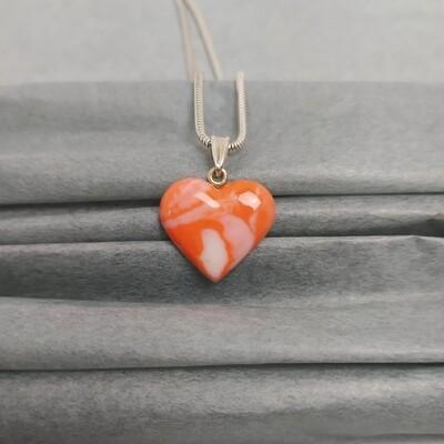 Wisiorek serce pomarańczowy melanż