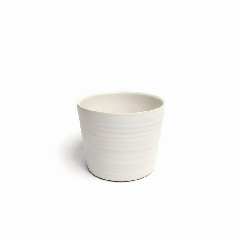 Czarka M, biała matowa