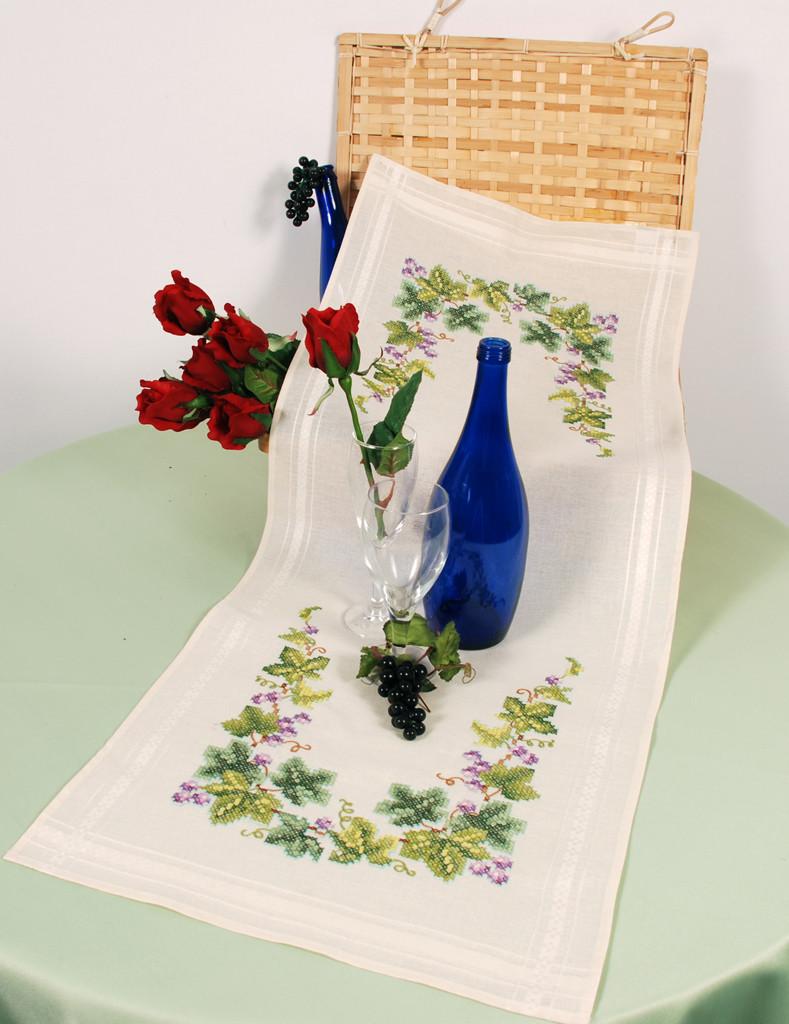Table Runner Kit Floral Wreath