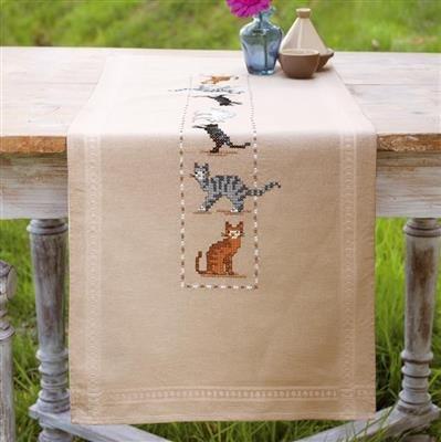 Printed tablecloth kit Playful cats