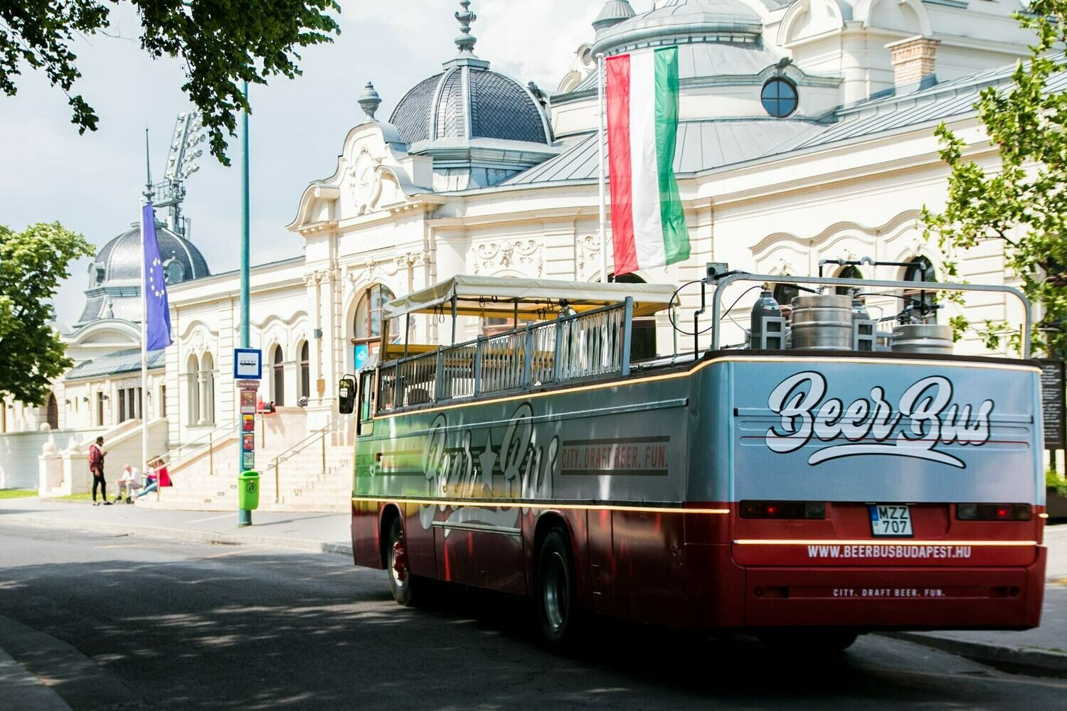 BEER BUS with Unlimited Beer