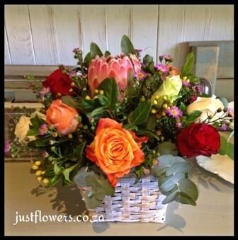 Basket Roses & Protea