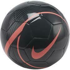 Nike Phantom Venom Ball