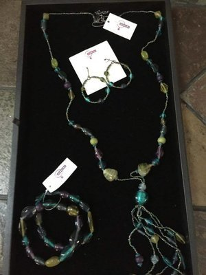 Necklace/Earrings/Bracelet (8)