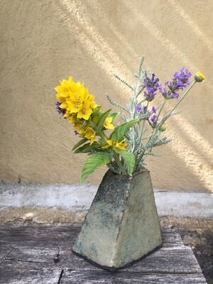 Black clay vase (out of stock)