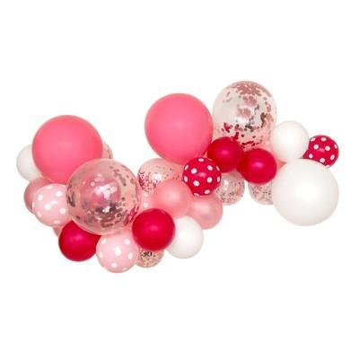 Pretty in Pink DIY Balloon Garland