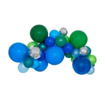 Hip Hip Hooray DIY Balloon Garland