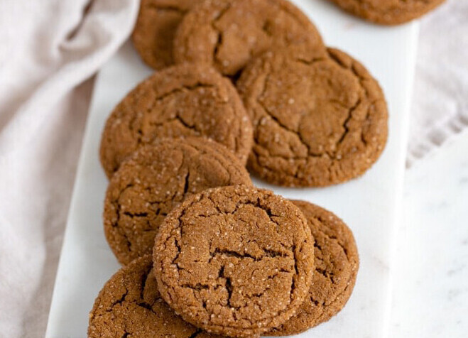 Chewy Ginger Molasses Cookie