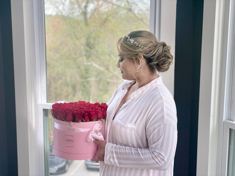 Grande Pink Paper Box And Up To 4 Dozen Fresh Roses