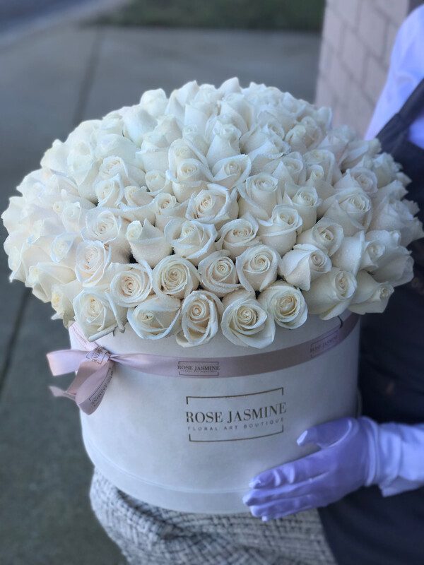 Grande Dome Mama Mia  (Up To 100 Roses)