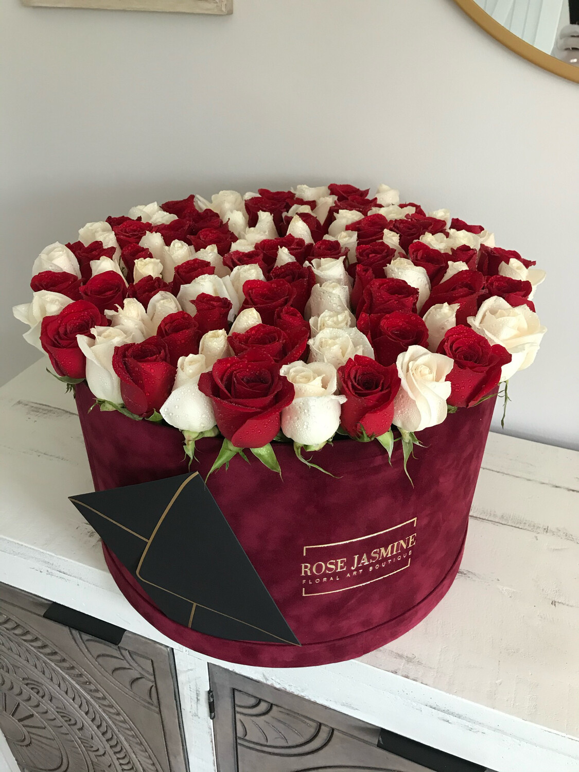 100 Roses Deluxe (Burgundy, Grey, White, Pink And Lavender Boxes)