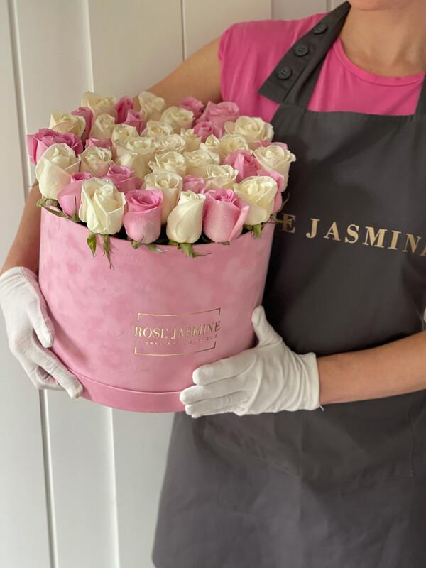 Grande Pink Velvet Box And Up To 4 Dozen Fresh Roses