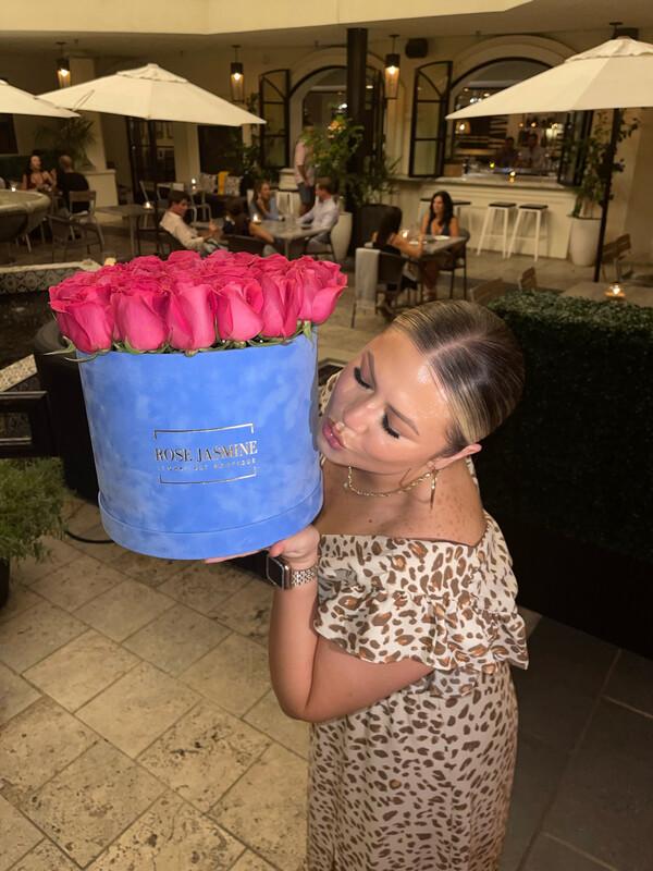 Blue Velvet Grande Box & Up To 40 Fresh Roses