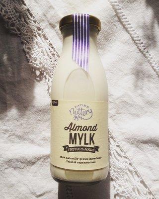 Almond Mylk (250ml)