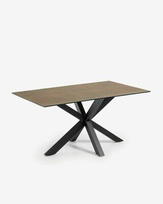 Mesa Argo 160 x 90 cm porcelánico Iron Corten patas de acero acabado negro