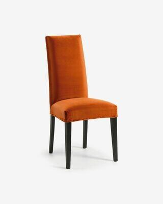 Silla Freda terciopelo naranja y patas de madera maciza de haya acabado negro