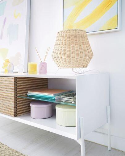 Lámpara de mesa pequeño Kamaria de ratán con acabado natural