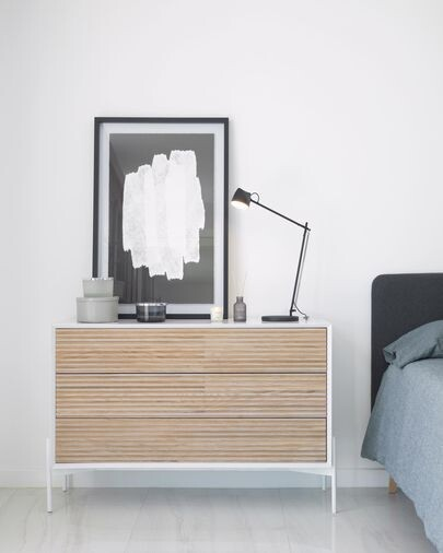 Cómoda Marielle con 3 cajones de chapa de fresno y lacado blanco 116 x 76 cm