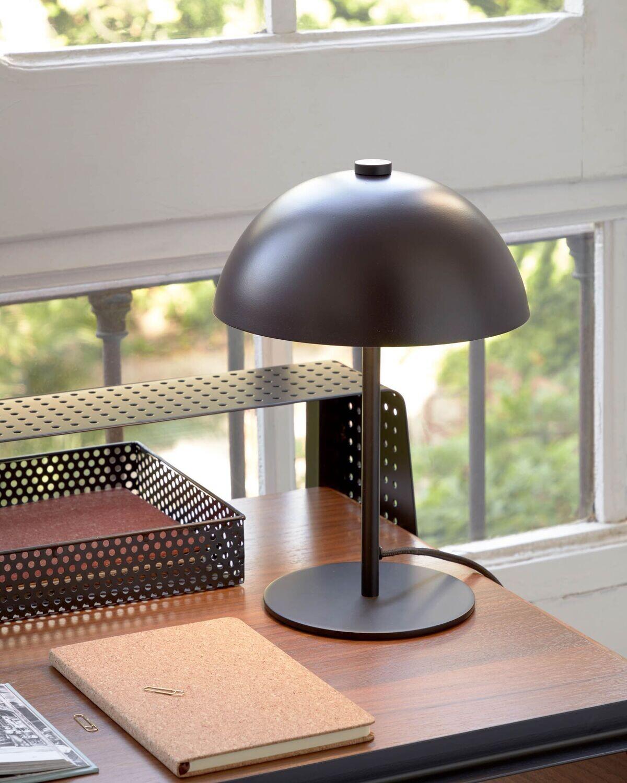 Lámpara de mesa Aleyla de metal con acabado granate