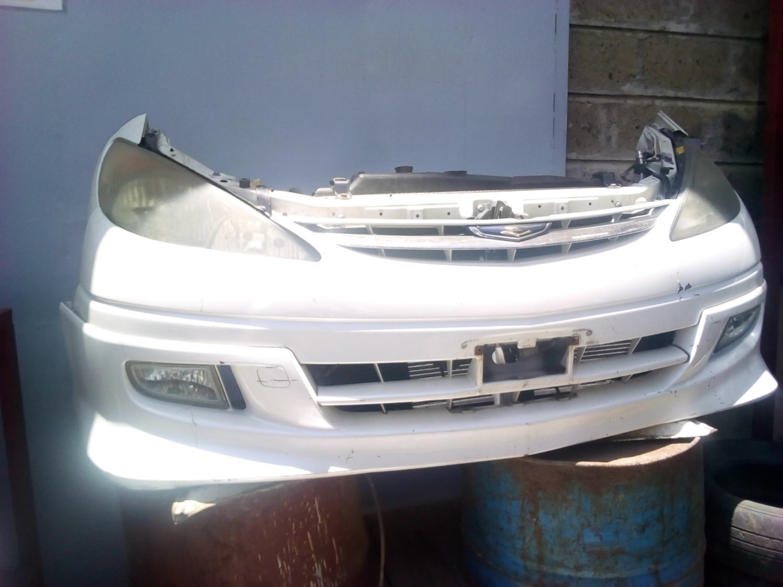Toyota Estima Nose Cut