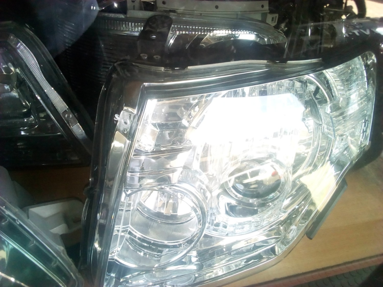 Nissan Xtrail Headlight