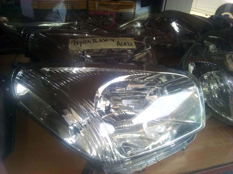 Toyota RAV4 ACA 21 Headlight