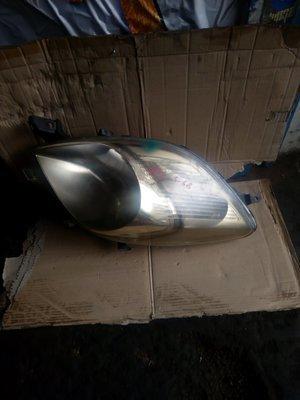 Toyota vitz headlight