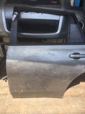 Nissan wingroad rear laft door