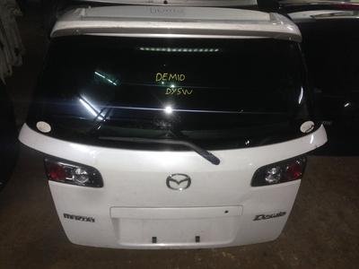 Mazda demio boot door