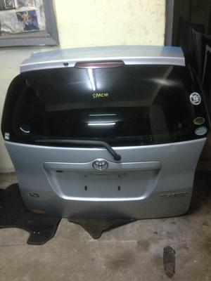 Toyota Spacio boot