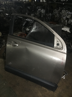 Nissan dualism frant right side door