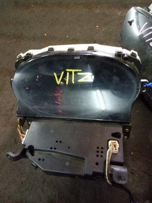 Toyota Vitz clock
