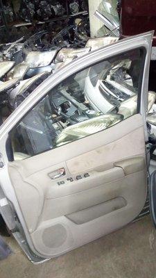 Toyota raum drivers door