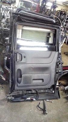 Nissan serena right sliding door