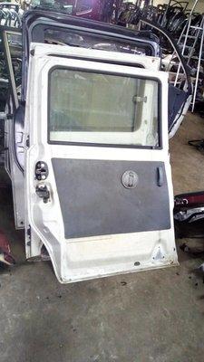 Toyota Noah white left sliding door