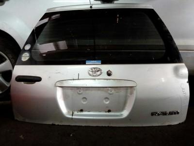 Toyota Raum boot