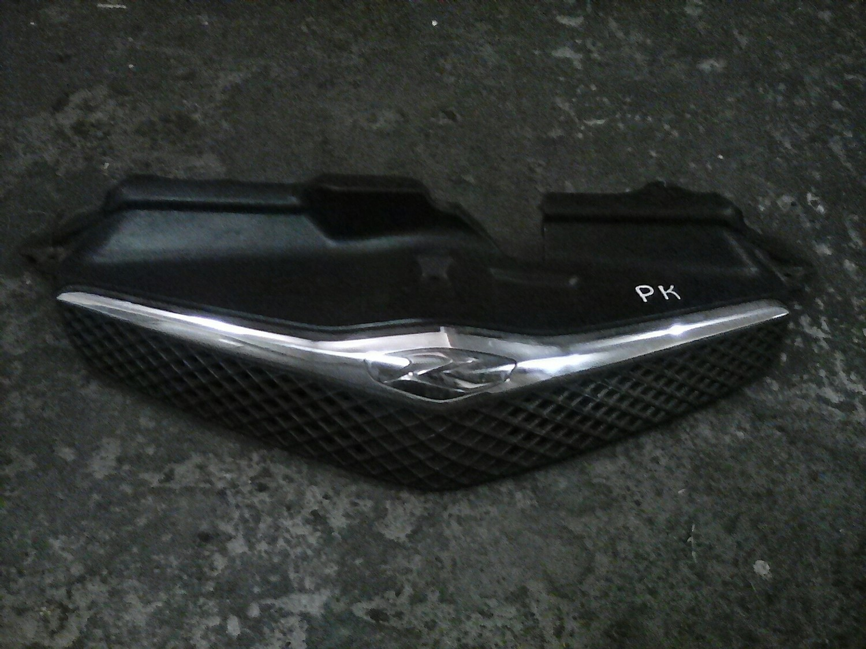 Toyota Ractis grill