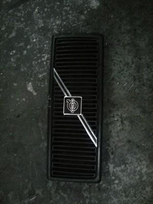 Volvo suv grill