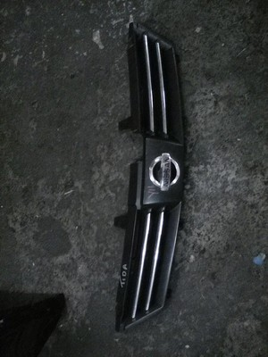 Nissan Tilda grill