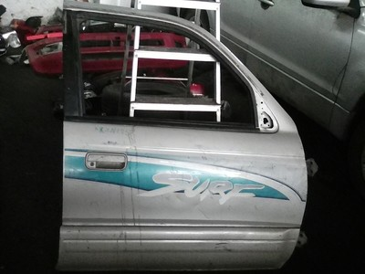 Toyota Hilux surf Right front door
