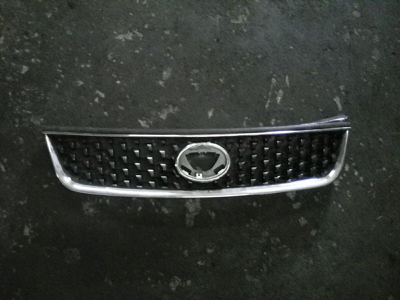 Toyota fielder grill