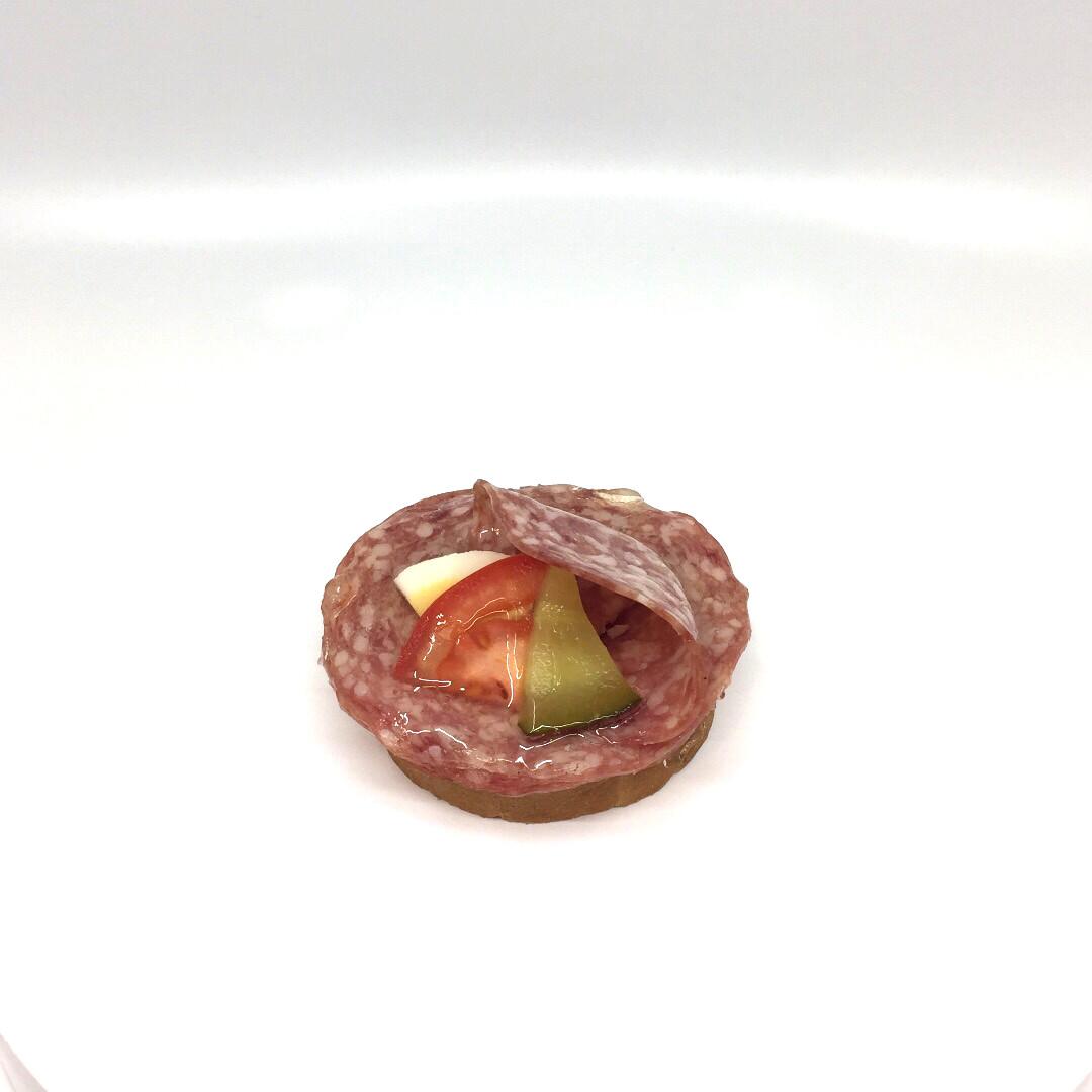 Canapé Salami
