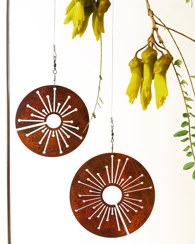 Corten Spinning Alliums