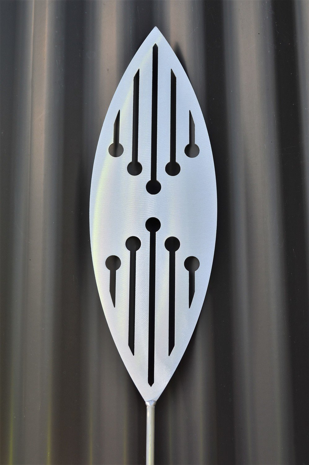 Aluminium Spear - Reflection