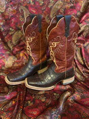 Ladies Size 8 Ariat Square Toe Caiman Print